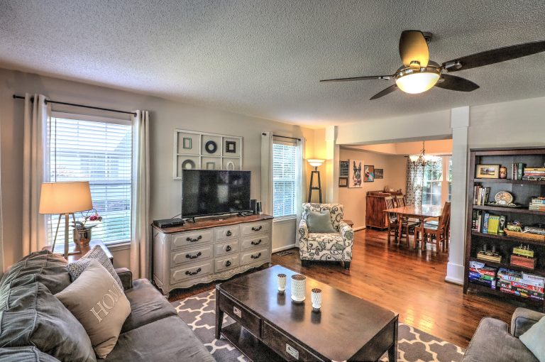 2612-constitution-dr-raleigh-nc-27615-living-to-dining