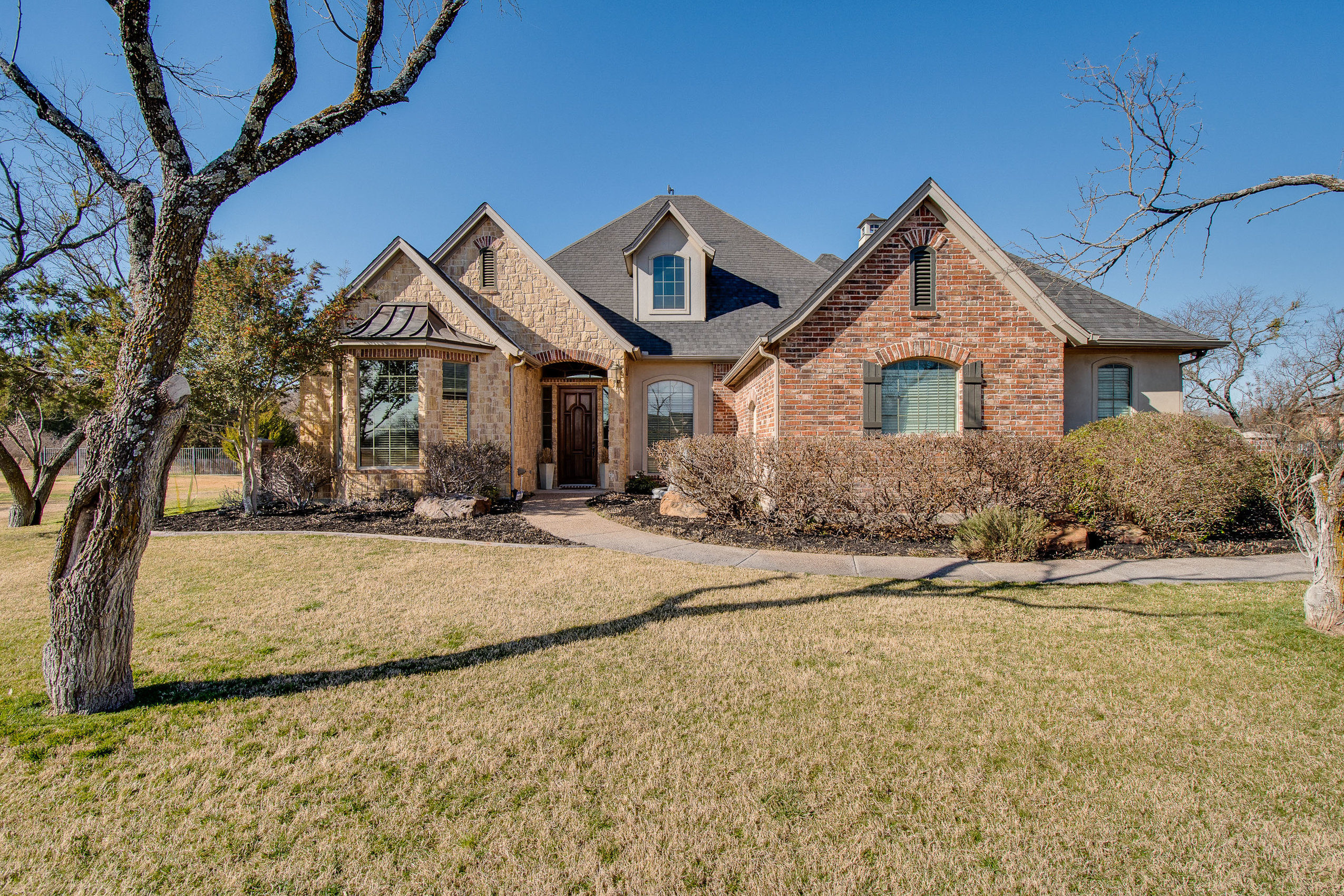 218 Duke Trail, Weatherford, TX 76088