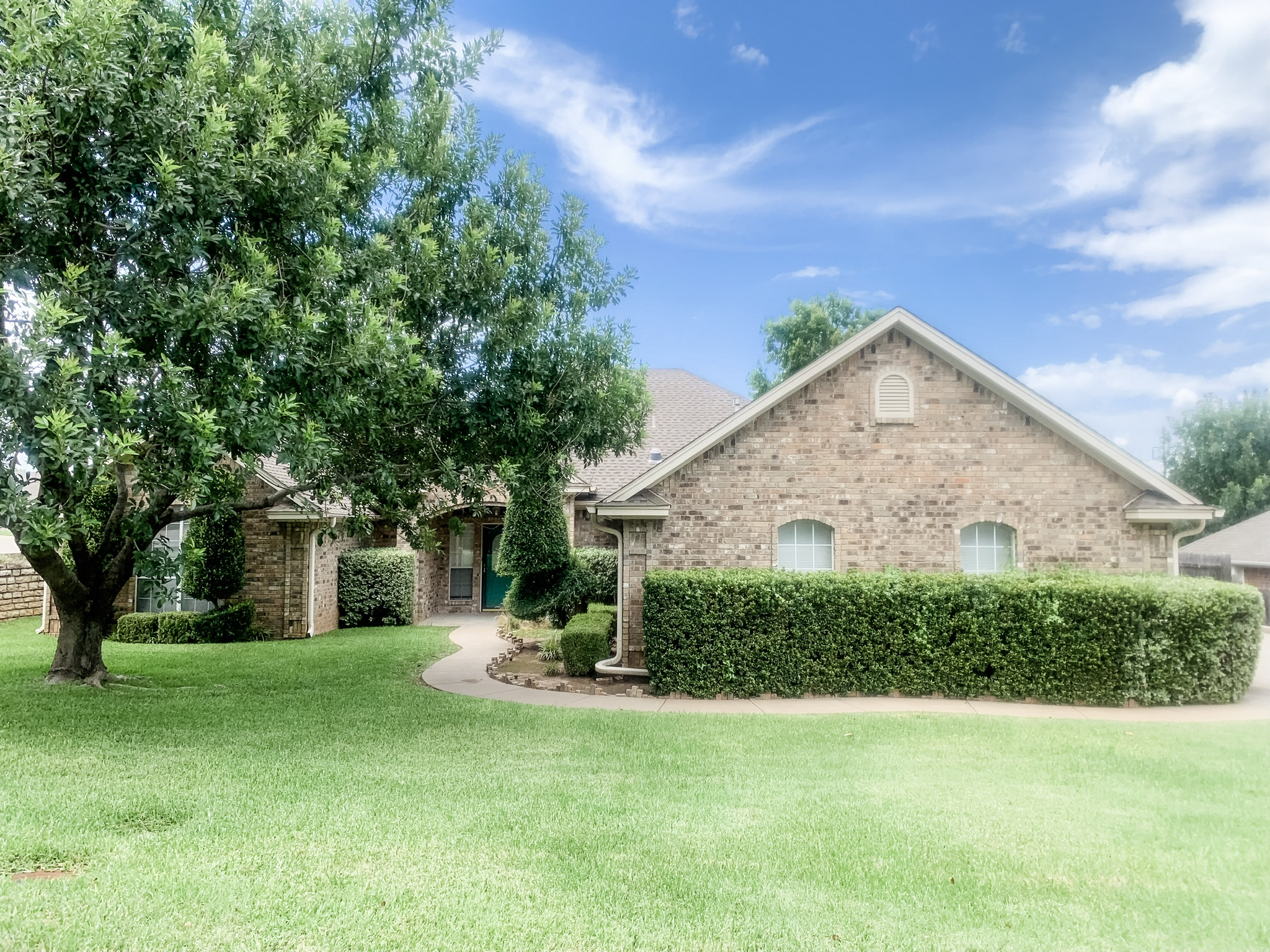 909 Jonathan Court, Weatherford, TX 76086