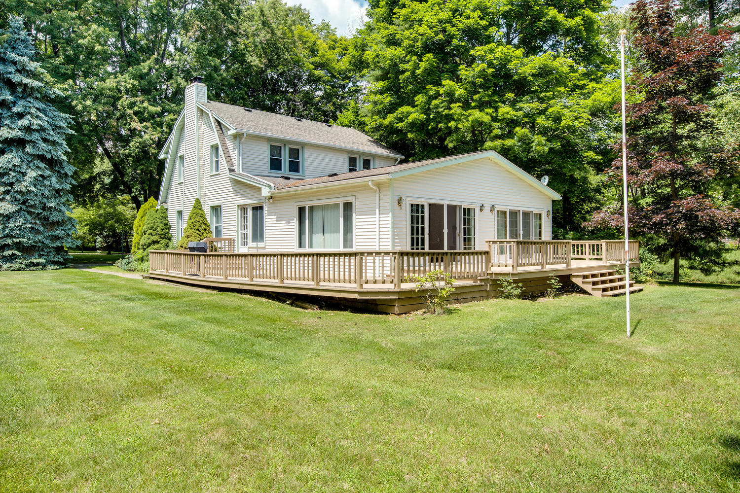 4093 Lakeshore  Lexington, MI  48422