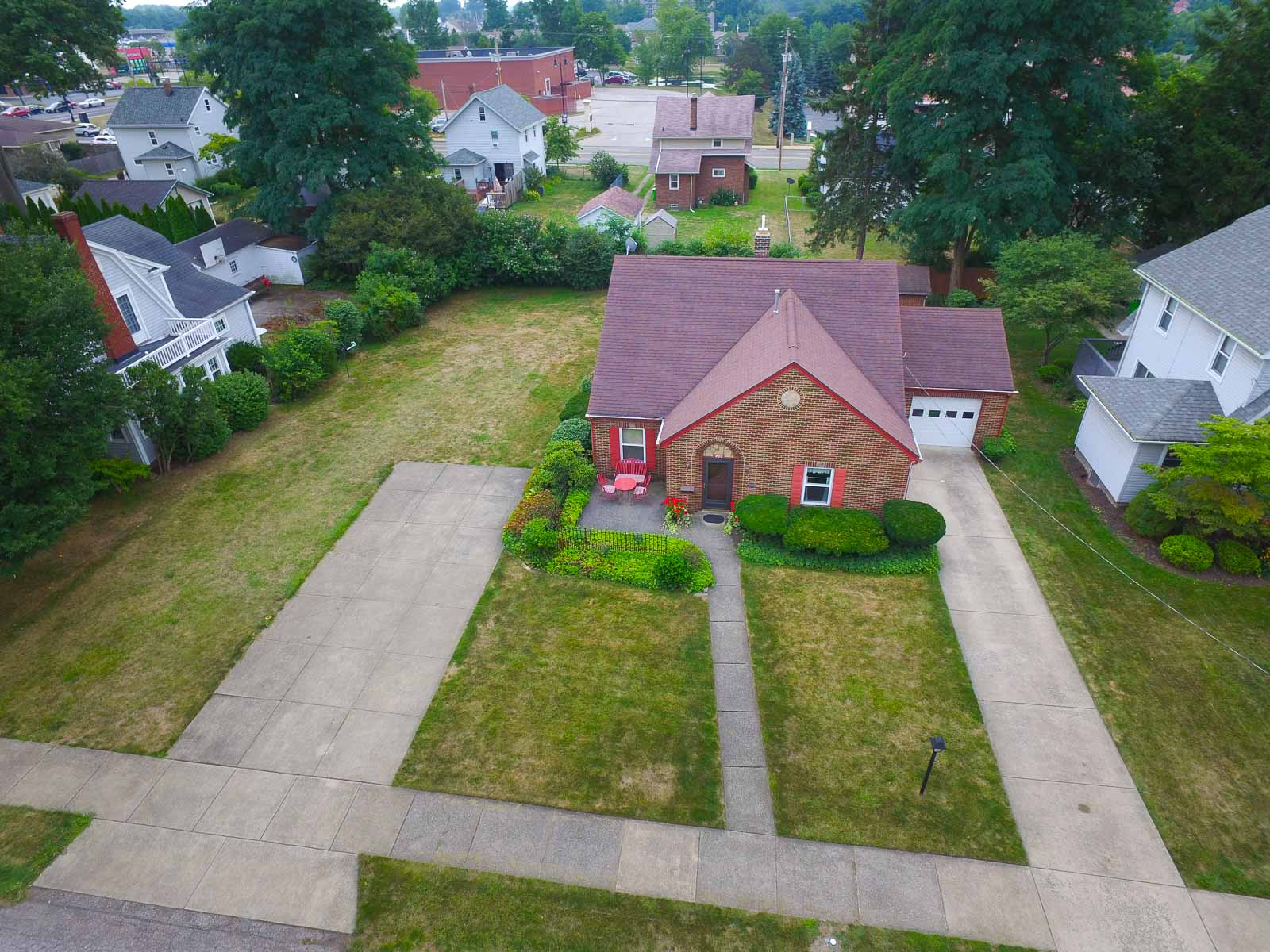 400 East Ford Avenue, Barberton, OH 44203
