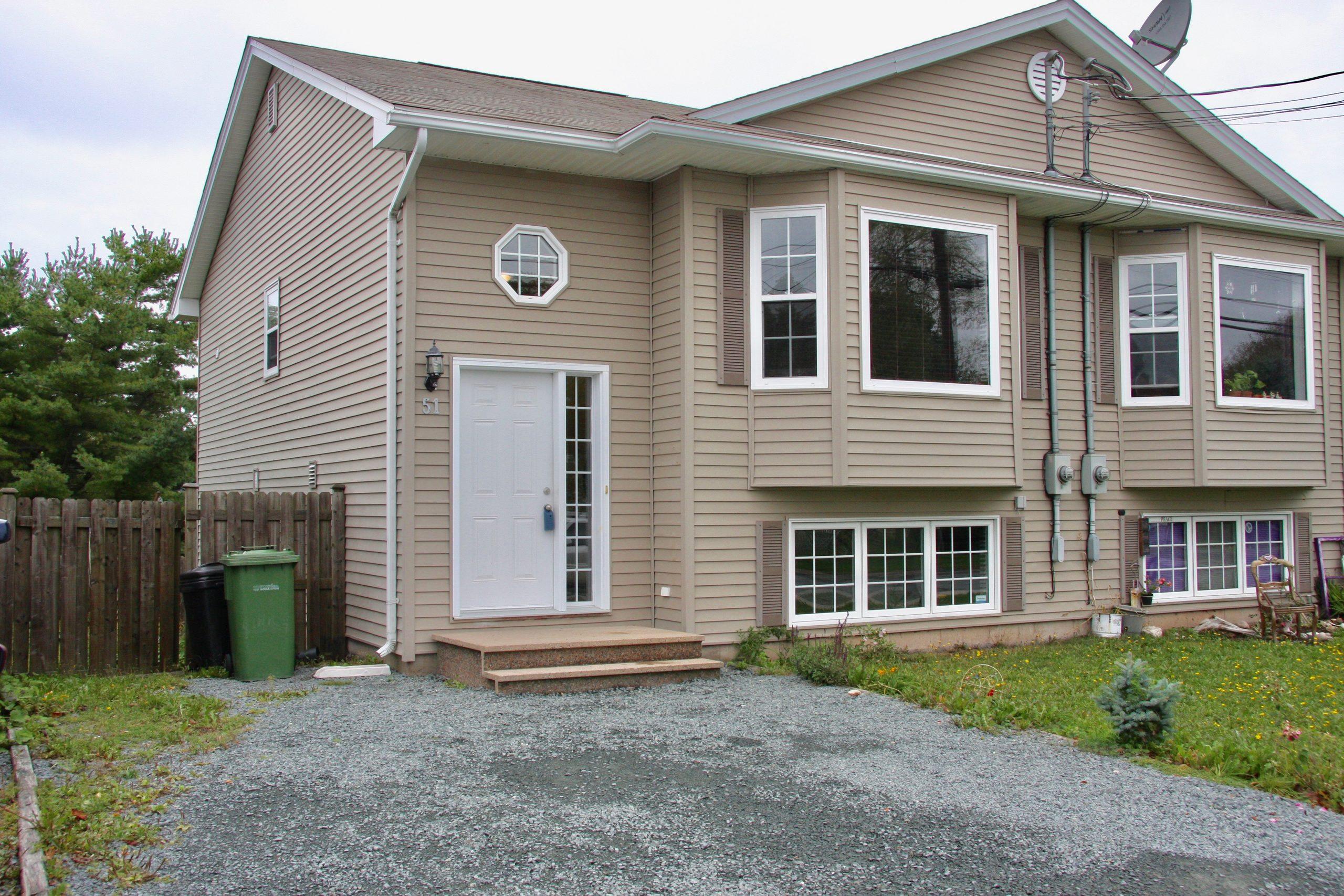 51 Everette St, Dartmouth, NS B2W 1G8