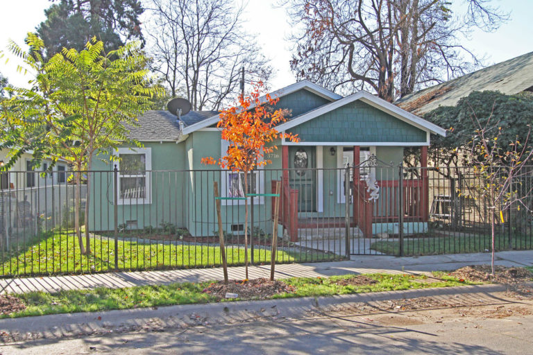 3716-7th-avenue-sacramento-ca-large-001-13-1-1500x1000-72dpi-2