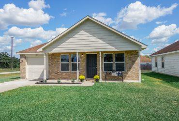 210 21st St., Hempstead, TX  77445