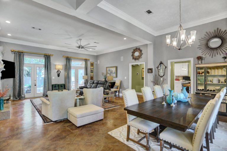 654_Wendover_Way_Living Room