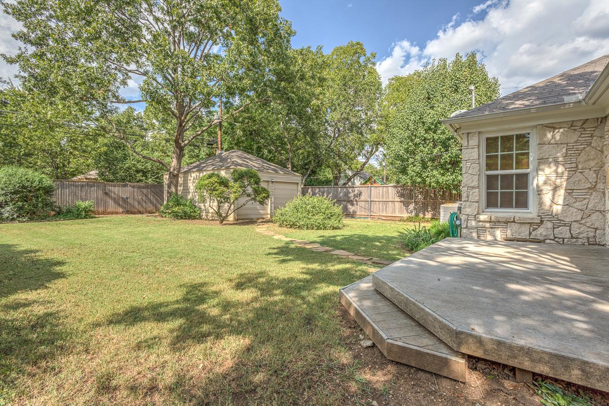 Stevens Park Village Austin Stone Home For Sale Dallas Texas