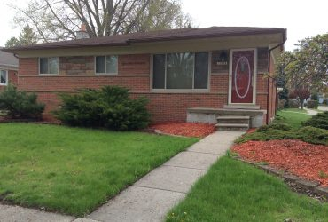 22504 Lincoln Saint Clair Shores, MI 48082