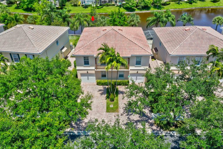 Catalina Lakes Townhouse for Sale in Palm Beach Gardens