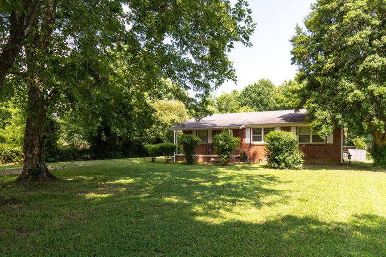 139 E BIGGS ROAD, PORTLAND, TN 37148 -2003