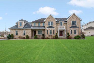 For Sale! 135 Fox Ridge Drive, Cranston, RI 02921