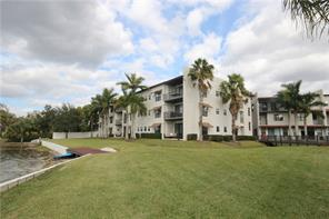 Beautiful Condo/TH on Conway Chain of Lakes with Deed Dock