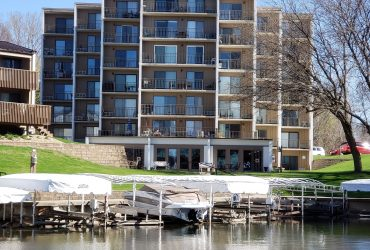 Lake Condo 2700 North Shore Dr#402 Clear Lake IA