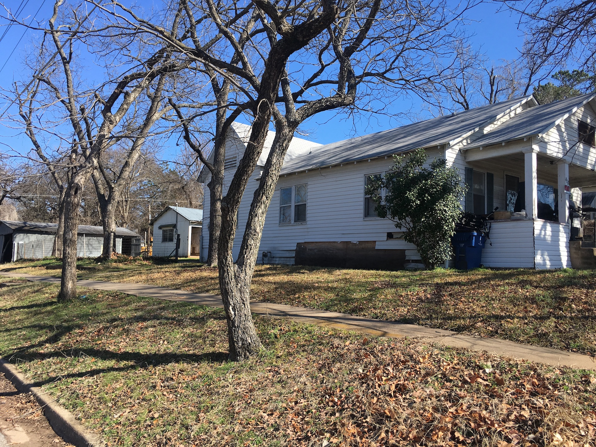 Short or Long Term Investment Remodel, 831 W Texas St, Denison, Texas