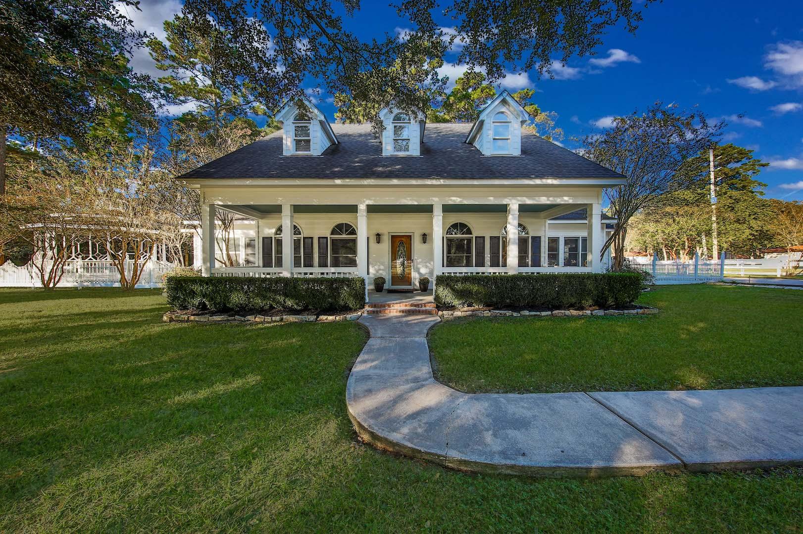 37807 FM 149 | Magnolia | Creole Style Plantation House