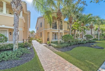 15337 Laughing Gull Ln Bonita Springs FL 34135