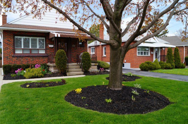 176 Glencairn Ave 2 Storey House For Sale Hamilton - Laura Doucette
