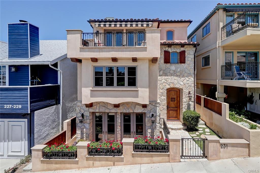 231 29th St, Hermosa Beach, CA 90254