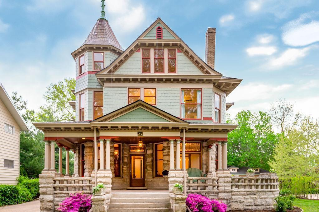 Circa 1897 Victorian 27 Janssen Place