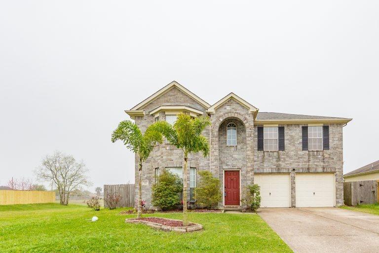 Welcome Home - Large Fabulous  Floor Plan