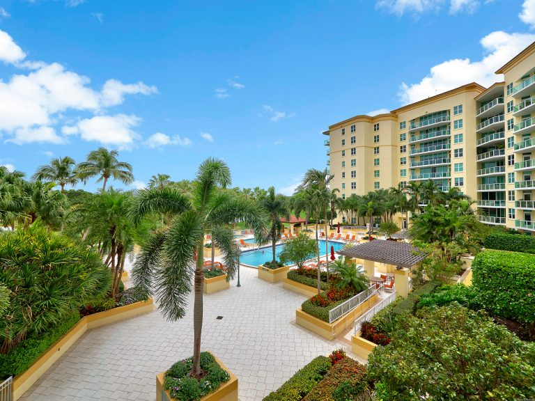 Townsend Place luxury condominium A307, 500 SE Mizner Blvd, unit A307, Boca Raton FL. 33432 view picture1