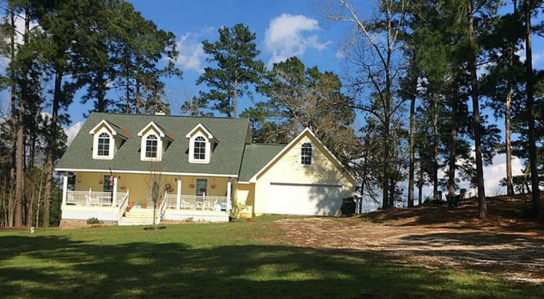 Listings archive dorothy roberts for Cabins near lake livingston