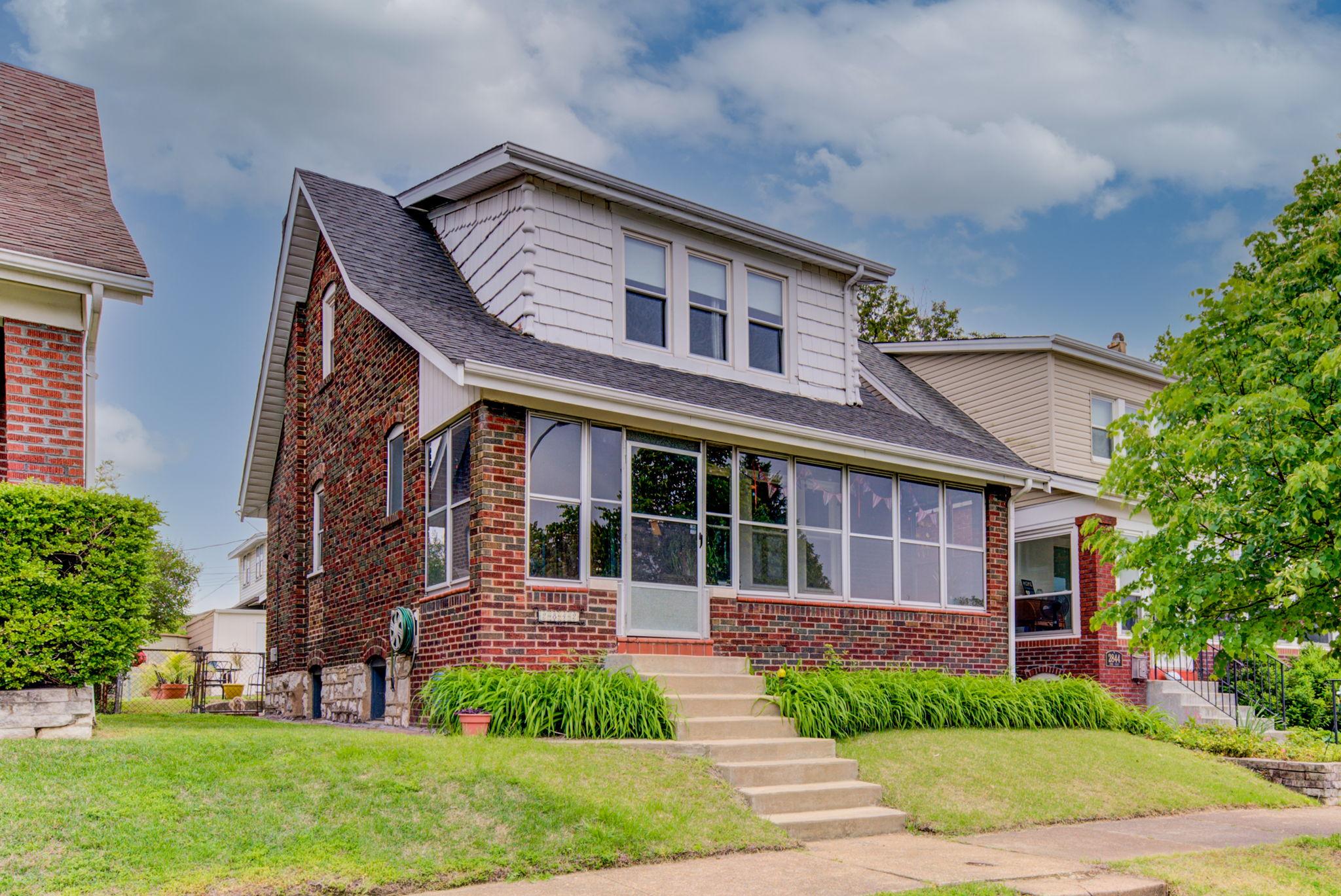 2842 Knox Ct.    St. Louis, MO 63130                                 $259,000