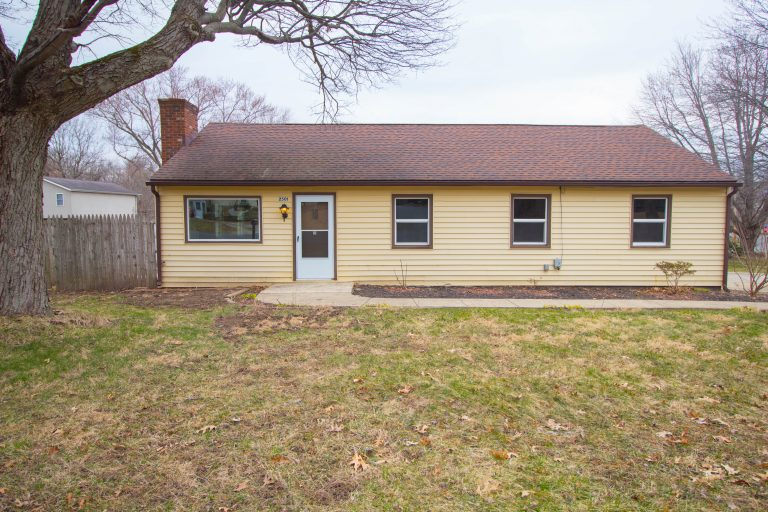 Chris_Finley_2501_Delaware_Avenue_Akron_OH_44312_Front