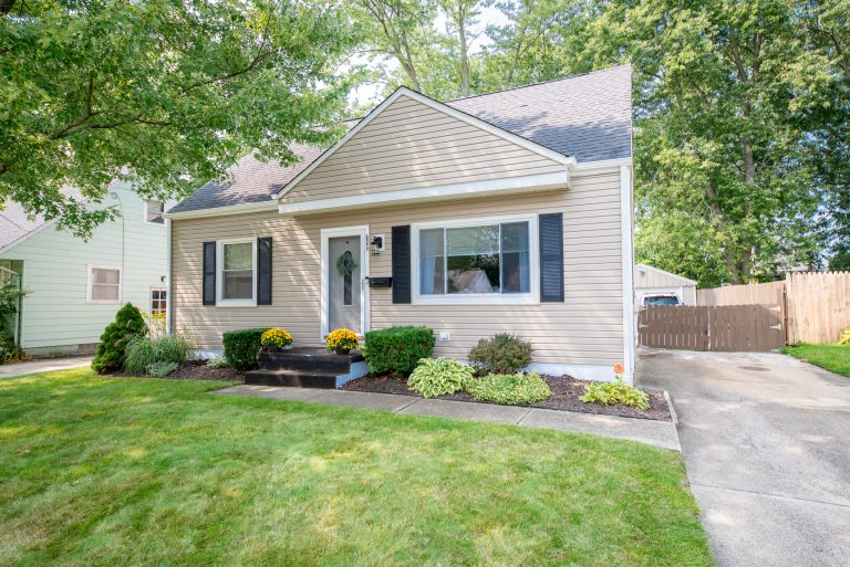 Chris_Finley_2840_9th_Street_Cuyahoga_Falls_OH_44221_front_4
