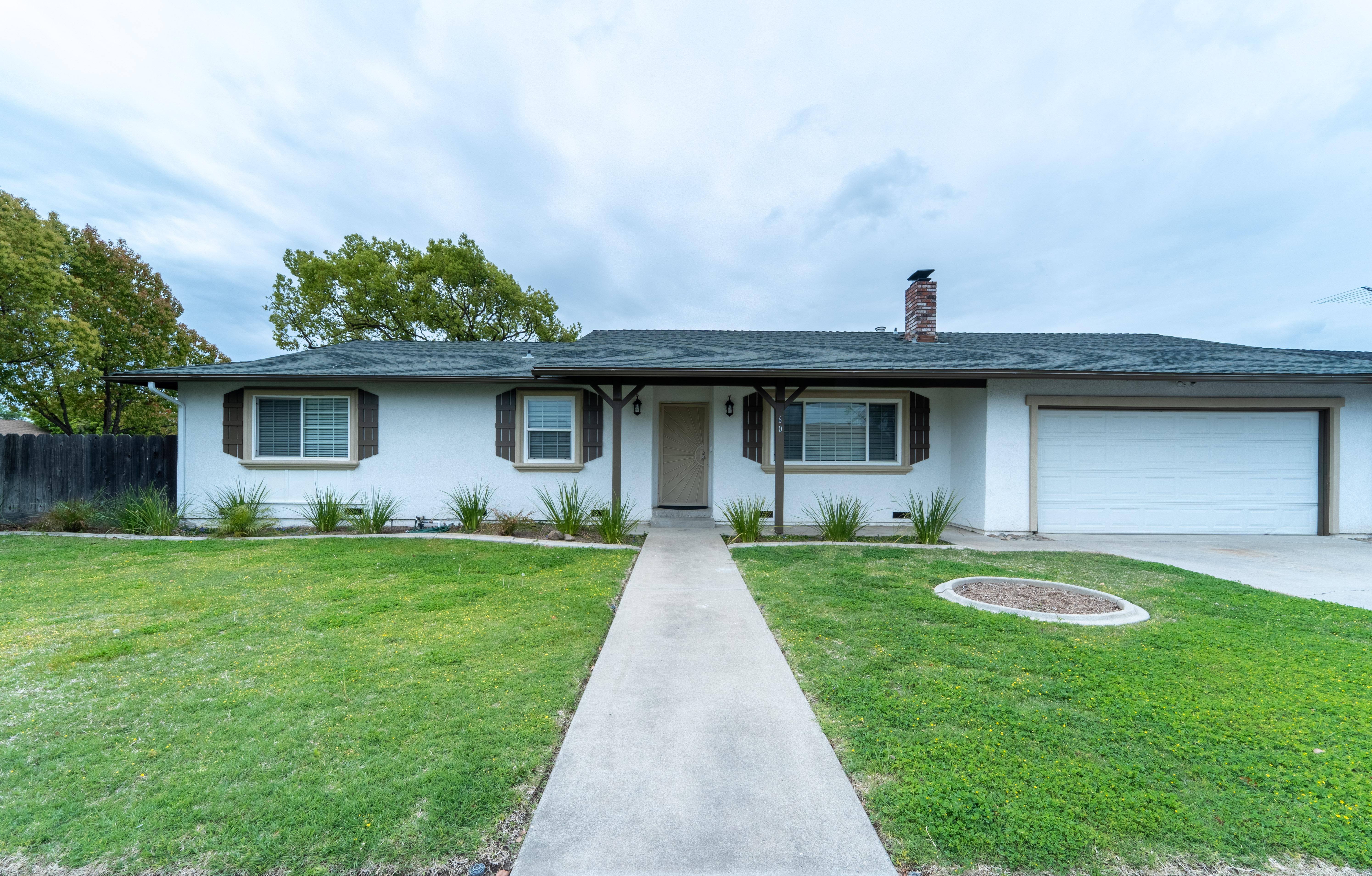 60 Willow Glen St Oakdale, CA 95361