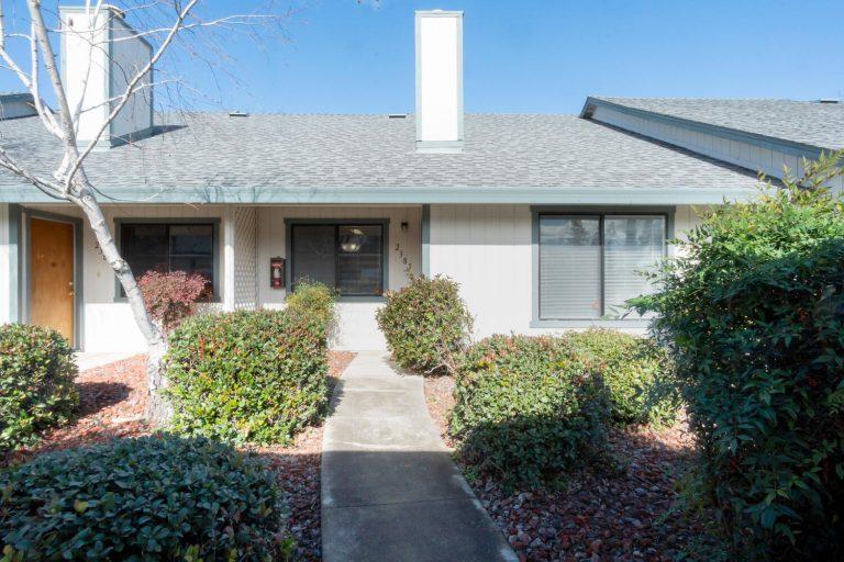 2383 Alta Garden Lane Sacramento-large-001-008-1-1500x1000-72dpi