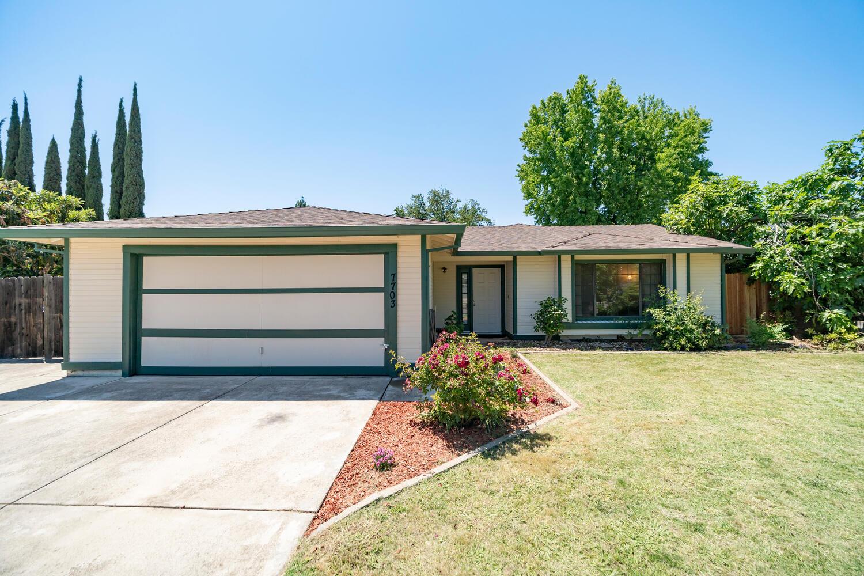 7703 Wintergreen Dr, Citrus Heights, CA 95610