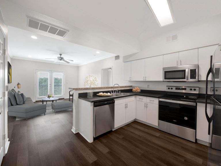 Virtually staged Kitchen 3102 Kings rd