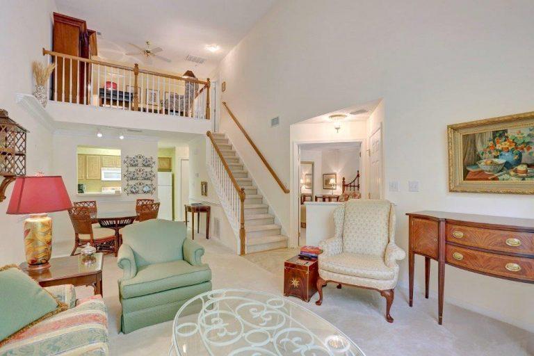 107 Bristol Commons-Family Room(3)
