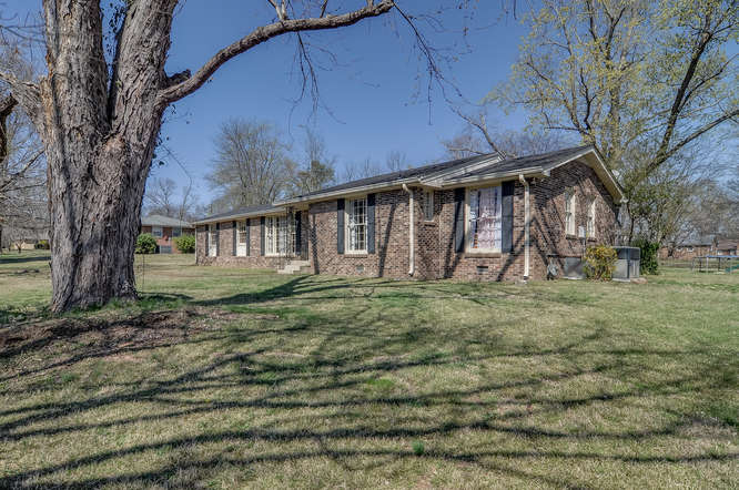 161-berrywood-dr-small-003-21-berrywood-drhendersonville-tn-666x443-72dpi