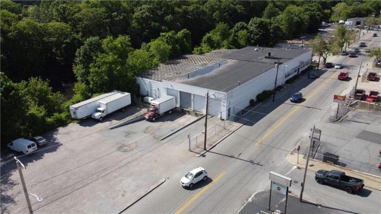 Commercial/Business 481 Dyer Avenue