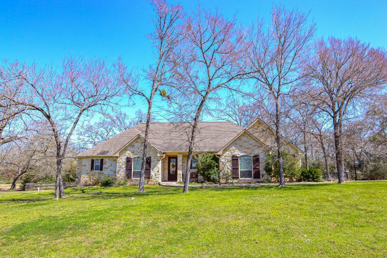 9144 King Oaks Drive Front yard 1