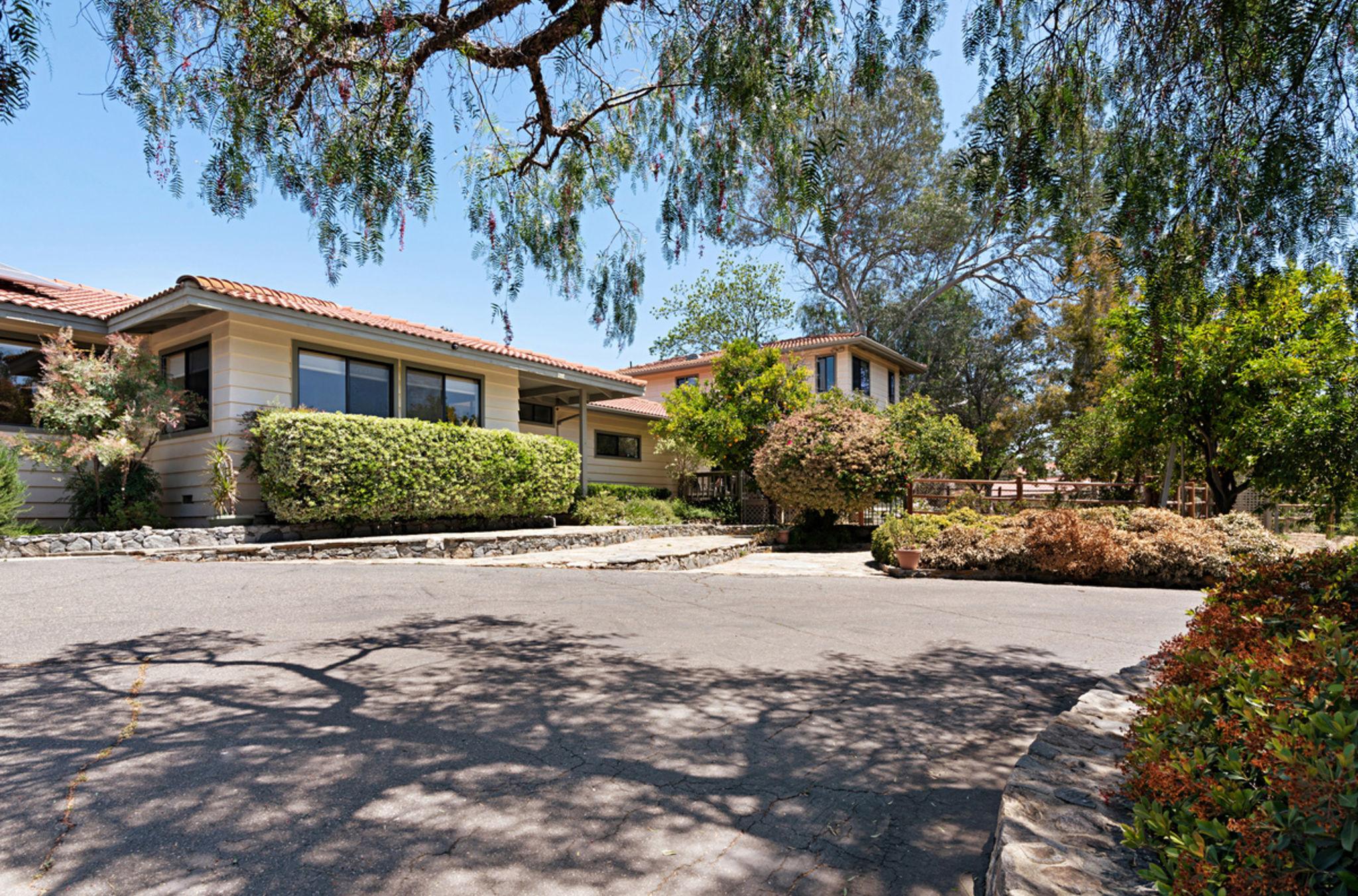 639 Tumble Creek Terrace, Fallbrook, CA 92028