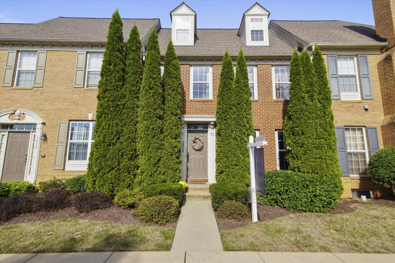Exterior-Front Elevation-00003983