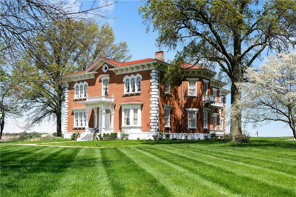 Circa 1850 Italianate Brick 26 Room 10 Acres