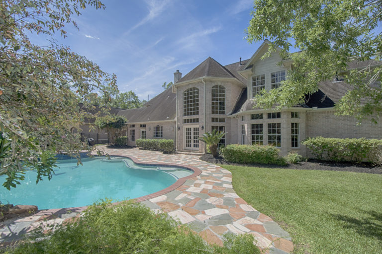 oak-drive-back-of-house-and-pool