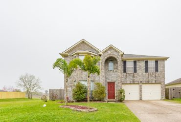 Beautiful Large Home in Bay Colony Pointe!